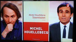 """Michel Houellebecq sur le plateau de France 2 le 6 janvier 2014, veillle de la sortie de """"Soumission"""" (Flammarion) et de l'attentat contre Charlie Hebdo  (MAXPPP)"""