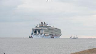 """Le paquebot """"Harmony of the Seas"""", le 12 mai 2016 à Saint-Nazaire (Loire-Atlantique). (SEBASTIEN SALOM-GOMIS / SIPA)"""