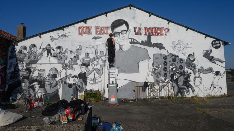 Lafresque réalisée à Nantes (Loire-Atlantique) en hommage à Steve Maïa Caniço est rénovée le 15 mai 2020, après avoir été dégradée à deux reprises. (ESTELLE RUIZ / NURPHOTO)