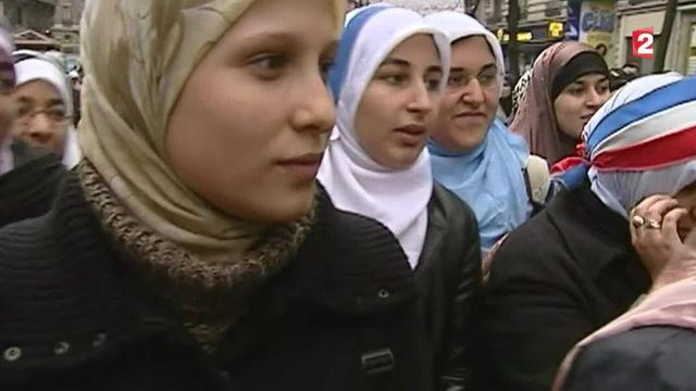 Doit-on face au terrorisme réfléchir au port de signes religieux dans les lieux publics ?