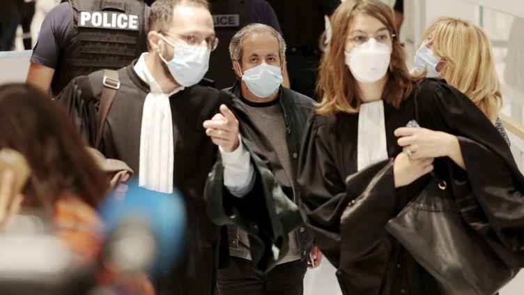 Dans les couloirs du Palais de justice de Paris lors de l'ouverture du procès des attentats de janvier 2015, le 2 septembre 2020 (LP/OLIVIER LEJEUNE / MAXPPP)