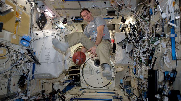 Thomas Pesquet en impesanteur dans la Station Spatiale Internationale (PICASA)