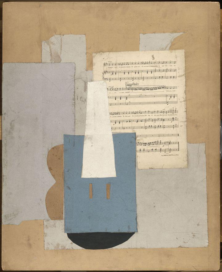 Pablo Picasso, Violon et feuille de musiqueParis, automne 1912 (Photo © RMN-Grand Palais (Musée national Picasso-Paris) / Adrien Didierjean © Succession Picasso 2020)