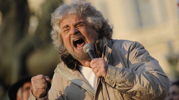 Beppe Grillo, leader du Mouvement 5 étoiles, lors d'un meeting à Turin (Italie), le 16 février 2013. (GIORGIO PEROTTINO / REUTERS )