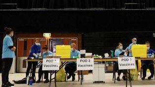 Royaume-Uni : Boris Johnson annonce la barre des 15 millions de personnes vaccinées (FRANCE 2)