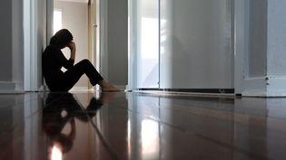 Le confinement peut tourner au cauchemar pour les personnes LGBT ayant des difficultés familiales. Illustration. (RAFAEL BEN-ARI / MAXPPP)