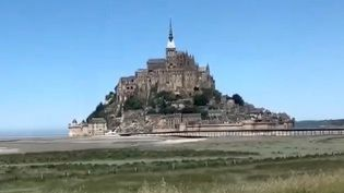 Le Mont-Saint-Michel accueille à nouveau les visiteurs. Photo prise le 18 mai 2020 (ALEXANDRE ABERGEL / FRANCEINFO / RADIO FRANCE)