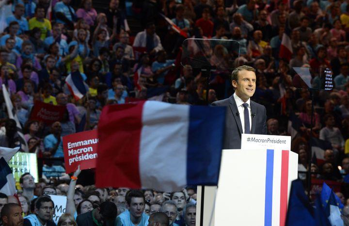Pour faire campagne, Emmanuel Macron, ici en campagne à Paris-Bercy le 17 avril 2017, a bénéficié du soutien de riches donateurs. (JOHN VAN HASSELT - CORBIS / CORBIS NEWS)