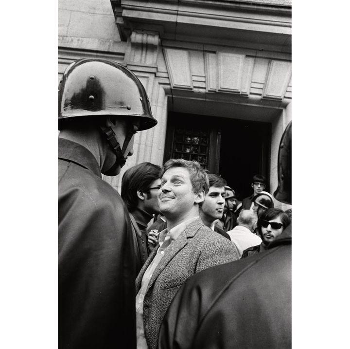 Gilles Caron, Daniel Cohn-Bendit devant la Sorbonne, Paris, 6 mai 1968  (Fondation Gilles Caron Courtesy School Gallery /Olivier Castaing)