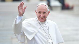 Le pape François place Saint-Pierre au Vatican le 14 octobre 2015. (SILVIA LORE / NURPHOTO / AFP)