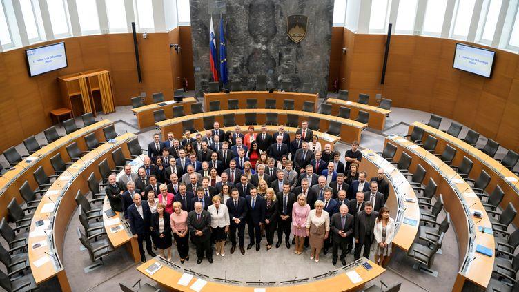 Les membres du Parlement slovène, le 22 juin 2018 àLjubljana(Slovénie). (JURE MAKOVEC / AFP)