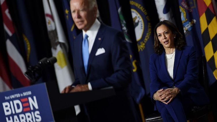 Le candidat démocrate à la présidentielle Joe Biden et sa colistière, Kamala Harris, lors de leur premier meeting commun à Wilmington (Delaware, Etats-Unis), le 12 août 2020. (OLIVIER DOULIERY / AFP)