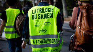 """Des """"gilets jaunes"""" dans les rues de Paris, le 6 avril 2019. (EDOUARD RICHARD / HANS LUCAS / AFP)"""