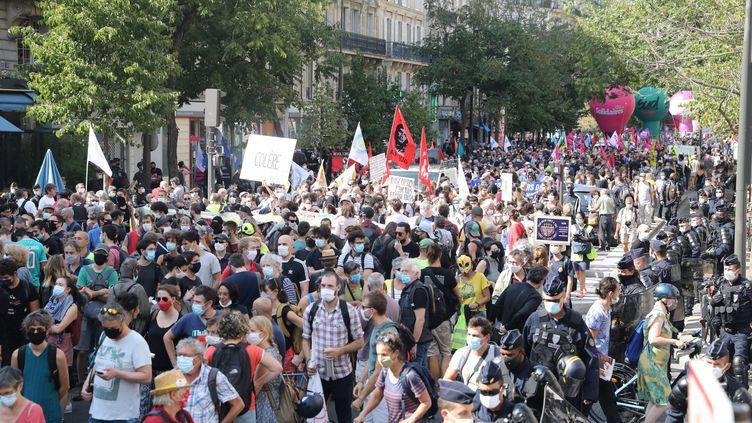 Une manifestation à l'appel de syndicats à Paris, le 17 septembre 2020. (MAXPPP)