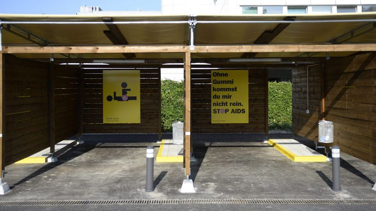 """Deux """"sex-box"""", présentés le 15 août 2013, onze jours avant leur mise en service, à Zurich (Suisse). ( MAXPPP)"""