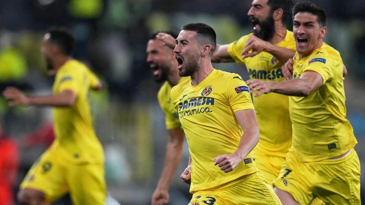 La joie des joueurs de Villarreal, vainqueurs de la Ligue Europa face à Manchester United mercredi 26 mai. (MICHAEL SOHN / POOL)