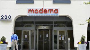 Le siège de Moderna à Cambridge, dans l'Etat américain du Massachusetts, le 18 mai 2020. (JOSEPH PREZIOSO / AFP)