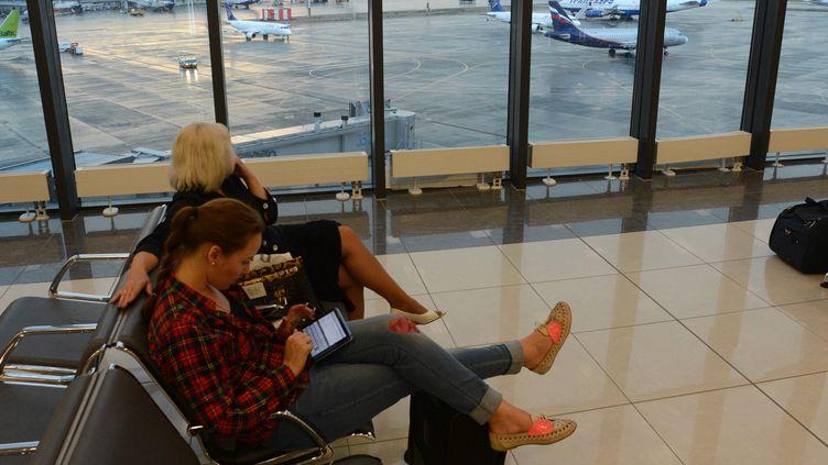Dans la zone de transit où se trouverait Edward Snowden, à l'aéroport deMoscou, le 26 juin 2013. (KIRILL KUDRYAVTSEV / AFP)