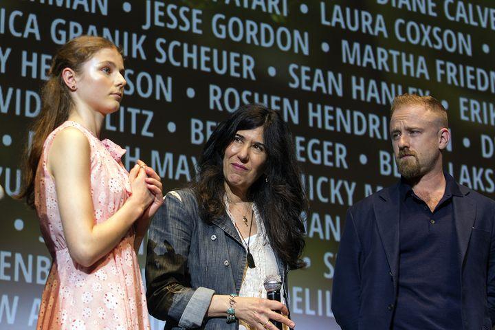 """A Cannes, le 13 mai 2018 pour la présentation de """"Leave no trace"""", au centre la réalisatrice Debra Granik  (Jean-François Lixon)"""