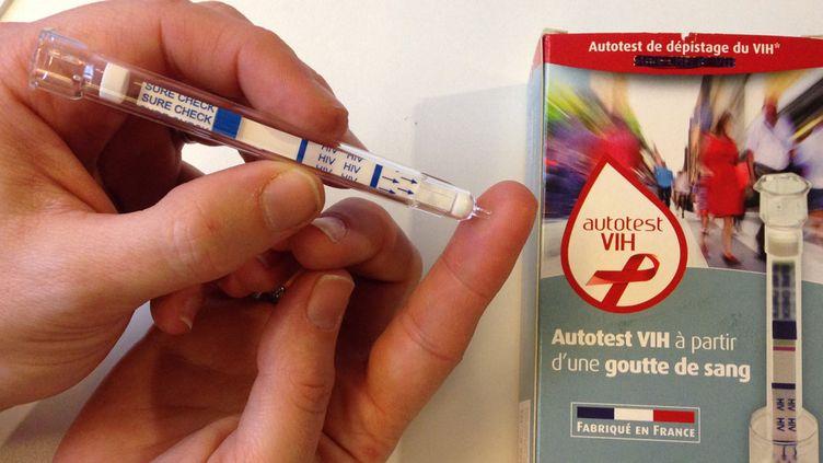 L'autotest de dépistage du virus du sida est produit par la société française AAZ. (EUROPE 1)
