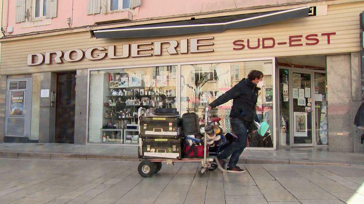 La droguerie du Sud-Est à Valence transformée en tournage de cinéma (France 3 Aura)