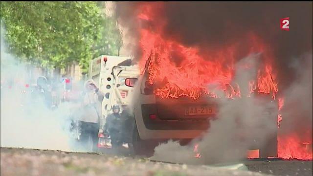 Voiture de la police incendiée : trois des cinq suspects étaient interdits de manifestation