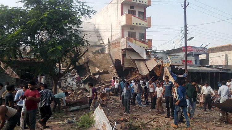 L'explosion d'une bonbonne de gaz a dévasté un restaurant bondé de Petlawad,dans le centre de l'Inde, le 12 septembre 2015. ( AFP )