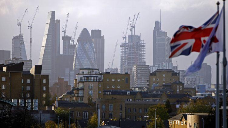 Le quartier de la City à Londres (Angleterre), le 21 janvier 2017. (TOLGA AKMEN / AFP)