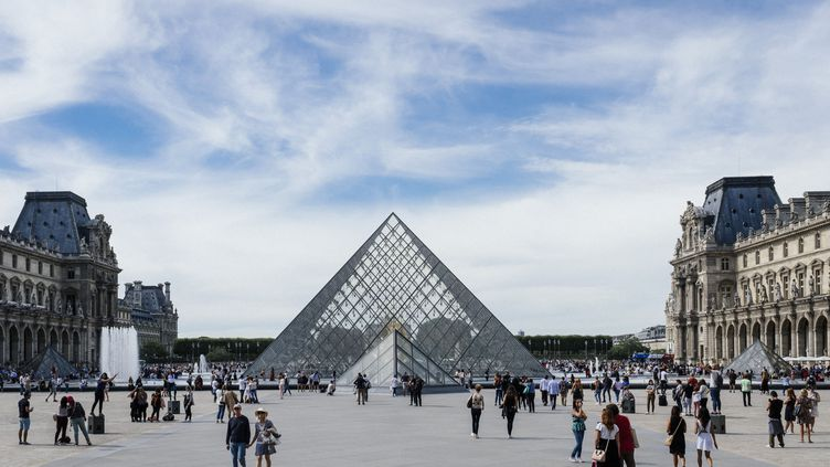 La pyramide et le musée du Louvre, le 16 septembre 2018. (DENIS MEYER / HANS LUCAS)