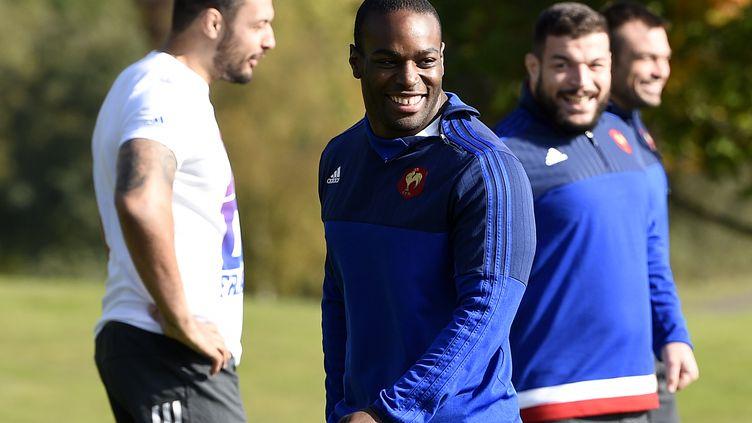 Eddy Ben Arous entouré de Damien Chouly et Rabah Slimani (XV de France) (FRANCK FIFE / AFP)