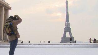Vague de froid : l'Île-de-France sous la neige, une centaine de bus à l'arrêt (France 3)