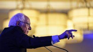 Le sénateur du Vermont et candidat à l'investiture démocrate pour la présidentielle américaine, Bernie Sanders, lors d'un événement du parti démocrate à Charleston en Caroline du Sud (Etats-Unis), le 24 février 2020. (DREW ANGERER / GETTY IMAGES NORTH AMERICA / AFP)