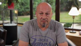Jessy Castane, CRS depuis 20 ans, témoigne auprès de France 2 de ses conditions de travail alors qu'une marche de la colère est prévue mercredi 2 octobre. (FRANCE 2)