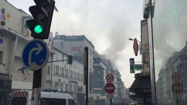 L'incendie s'est déclaré au26 rue de Ménilmontant dans le XXe arrondissement de Paris, le22 février 2016. (ELSA GAUFFIER)