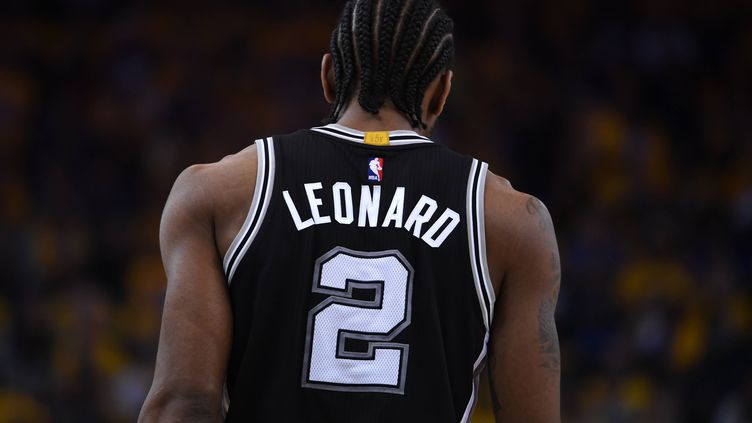 La blessure de Kawhi Leonard a offert la victoire aux Warriors.