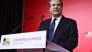 Le premier secrétaire du Parti socialiste, Jean-Christophe Cambadélis, lors d'une conférence de presse, le 24 avril 2017, rue de Solférino à Paris. (BERTRAND GUAY / AFP)