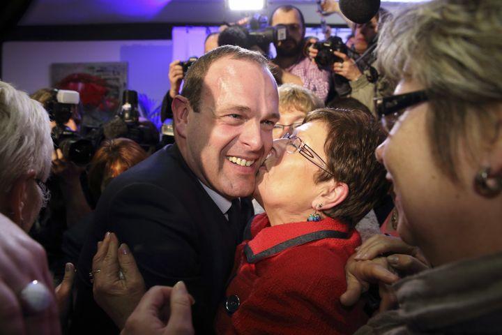 Steeve Briois, le candidat FN élu dès le premier tour des municipales à Hénin-Beaumont (Pas-de-Calais), dimanche 23 mars 2014. (© PASCAL ROSSIGNOL / REUTERS / X00234)
