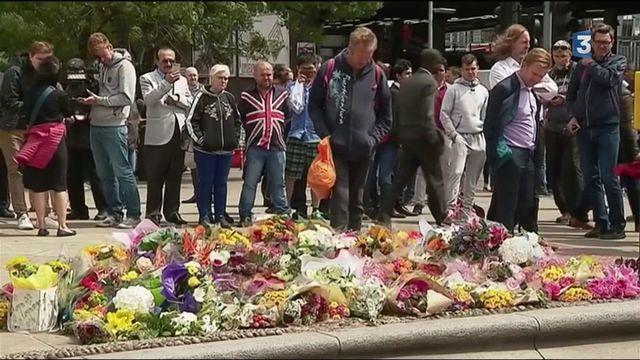 Attentat de Londres : la vie tente de reprendre son cours
