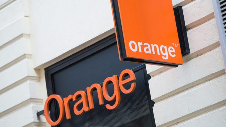 """(L'opérateur Orange condamné à 350 millions d'euros d'amende pour des pratiques anti-concurrentielles sur le marché de la clientèle """"entreprise"""" © Maxppp)"""