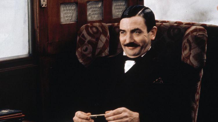 """Albert Finney joue Hercule Poirot dans """"Le Crime de l'Orient Express"""" (1974).  (STUDIOCANAL/MARY EVANS/SIPA)"""