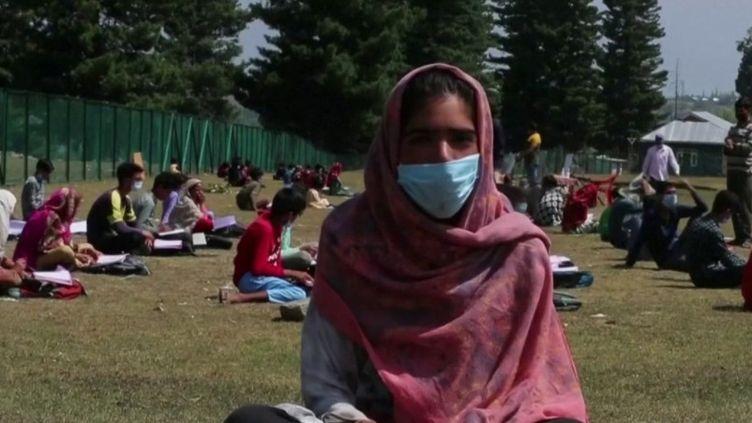 Coronavirus : comment les pays du monde abordent-ils la rentrée ? (CAPTURE ECRAN FRANCE 2)