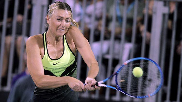 Premier retour public de Maria Sharapova sur un terrain de tennis, à Las Vegas (JOHN GURZINSKI / AFP)
