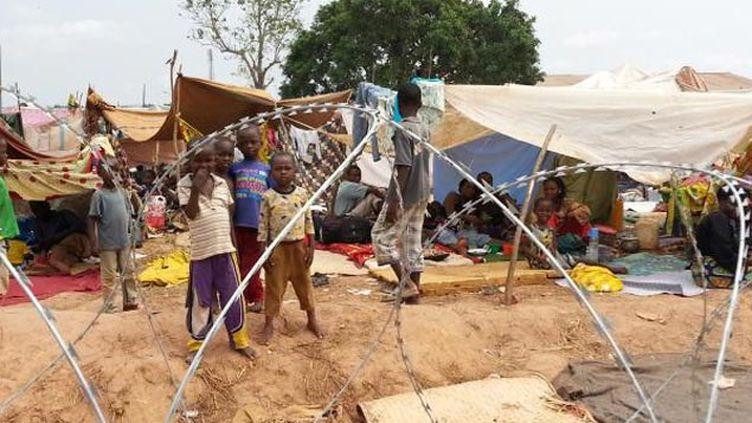 (Le camp M'Poko en décembre 2013 © RF/ Mathilde Lemaire)