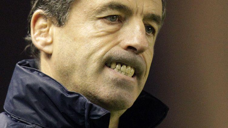 L'entraîneur Pierre Berbizieraprès la défaite du Racing Métro48-47 face à Edimbourg, en Coupe d'Europe, le 18 novembre 2011. (GRAHAM STUART / AFP)
