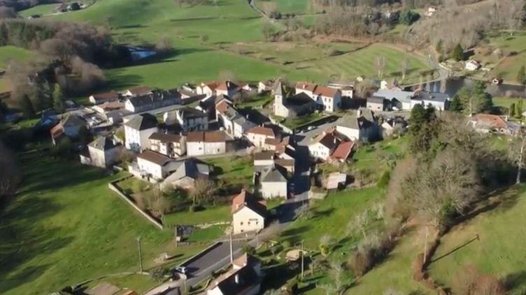Le village de Parlan, dans le Cantal. (FRANCE 3)