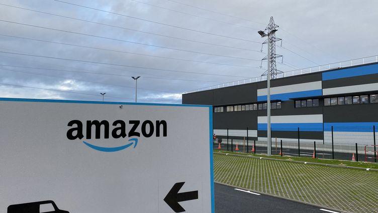 Le site Amazon près d'Annecy (Haute -Savoie). Photo d'illustration. (RICHARD VIVION / FRANCE-BLEU PAYS DE SAVOIE / RADIO FRANCE)