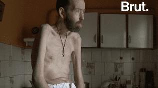 """VIDEO. """"Ils ont fini de l'assassiner"""" : Fabian Tomasi, symbole de la lutte contre le glyphosate, s'est éteint (BRUT)"""
