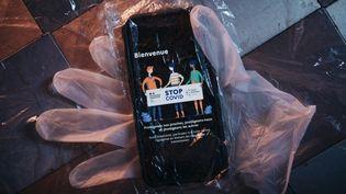 L'application de traçage StopCovid développée par le gouvernement français pour tenter d'endiguer l'épidemie de Covid-19, prise en photo à Strasbourg, le 26 mai 2020. (MATHIAS ZWICK / HANS LUCAS / AFP)