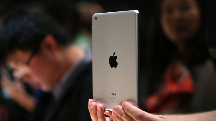 Un nouvel iPad mini présenté le 22 octobre 2013 à San Francisco (Etats-Unis). (JUSTIN SULLIVAN / GETTY IMAGES NORTH AMERICA / AFP)