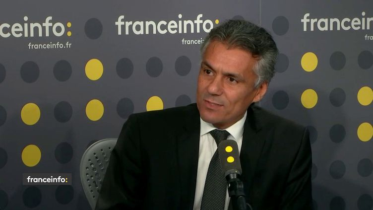 Rachid Nekkaz, opposant au président algérien, invité de franceinfo mardi 12 mars.  (FRANCEINFO / RADIOFRANCE)